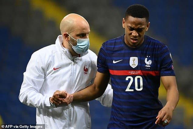 أنتوني لاعب مانشستر يونايتد لن يكون جاهزًا لمواجهة برايتون